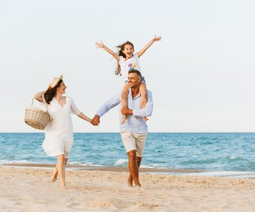 FIRST MINUTE Family Holidays - Children Free