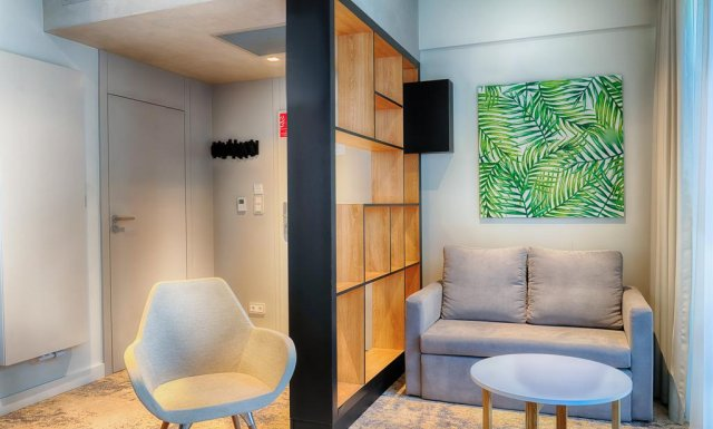 Pokój Dwuosobowy z dwiema sofami