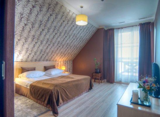 Three-bedded room