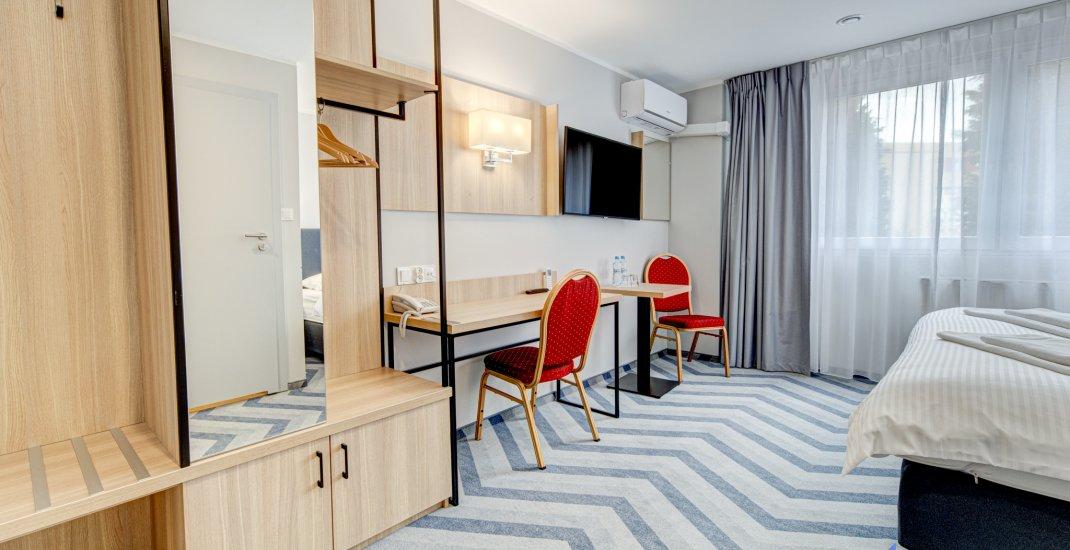 Pokój 2 os. z dużym łóżkiem PLUS