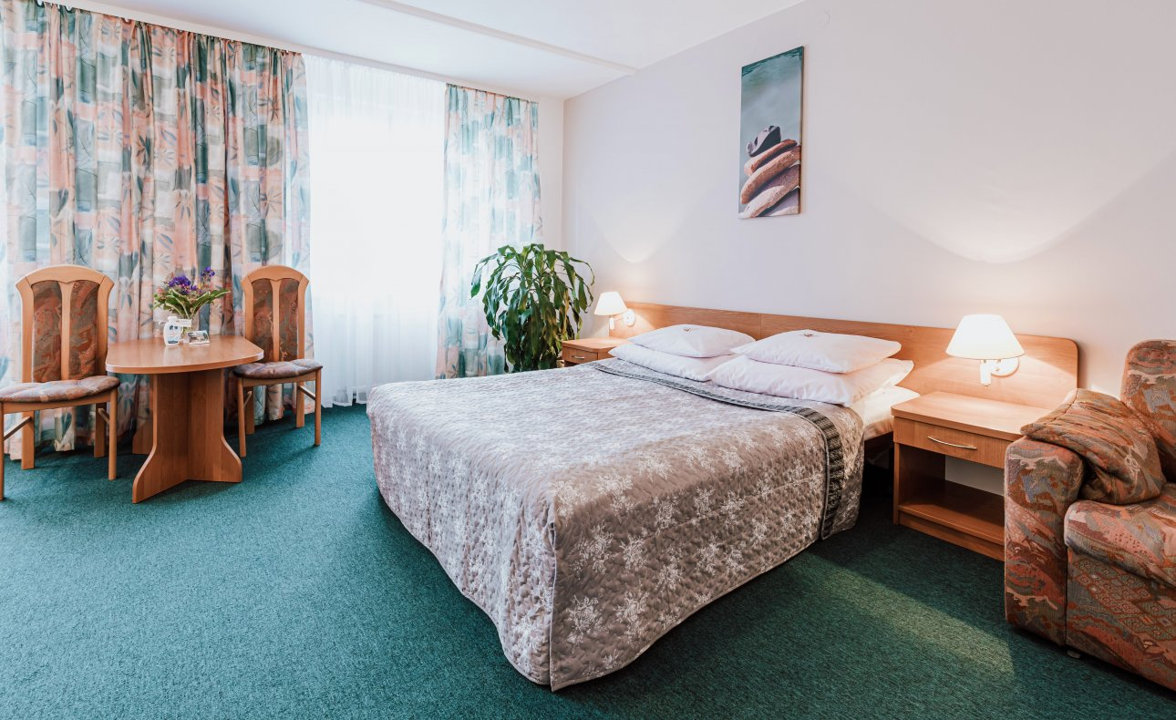 Hotel rooms without breakfast