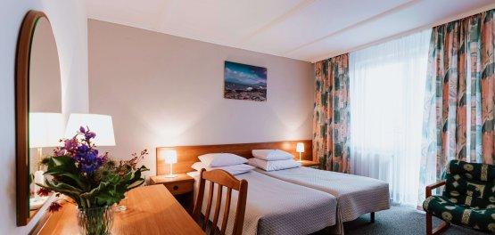 Busko-Zdrój: Pokoje hotelowe ze śniadaniem