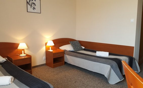 Twin room (longer bed 220cm)