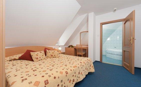 Apartament dwuosobowy (łóżko małżeńskie)