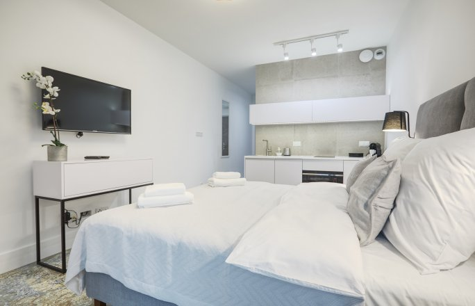 Apartament White