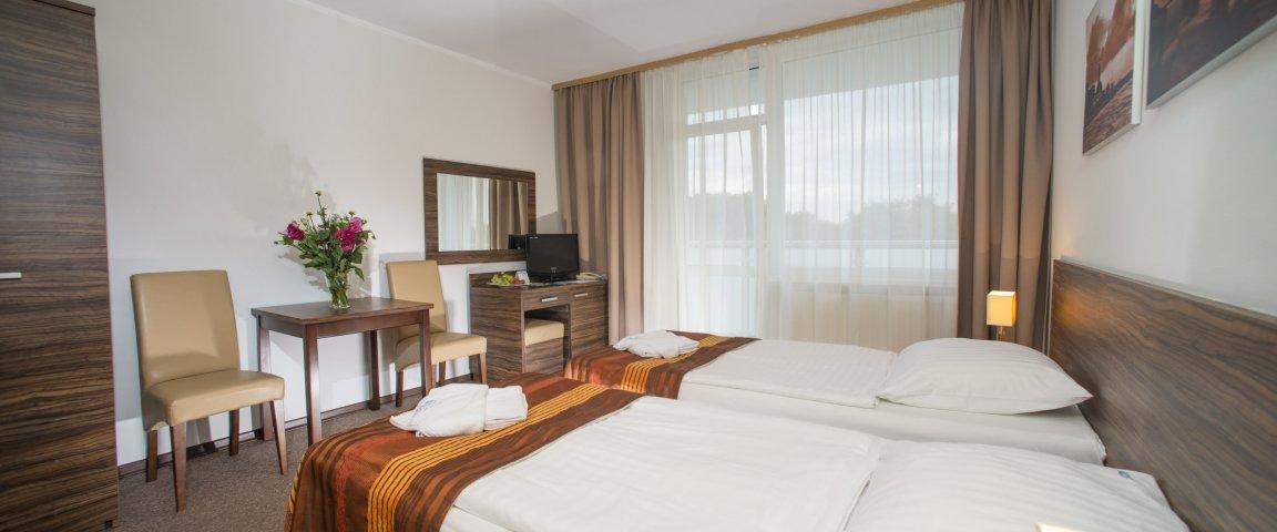 Zweibettzimmer mit Parkblick